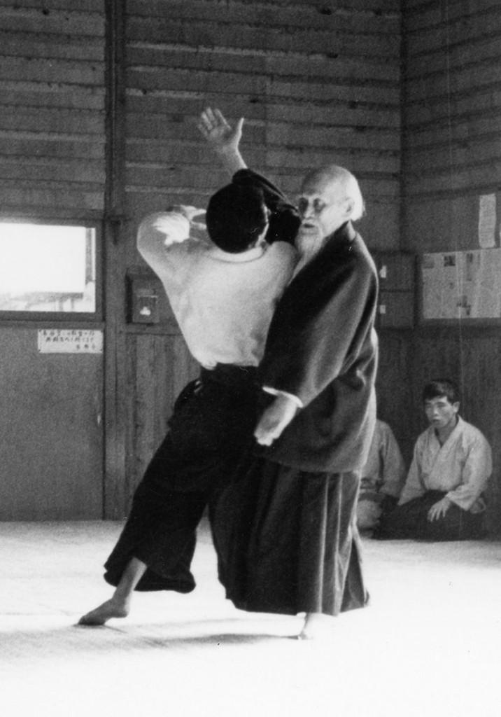 OSensei-throwing-student3