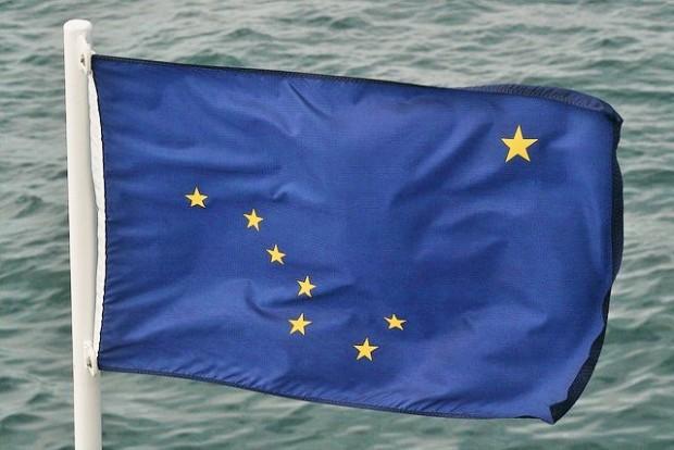 El-curioso-origen-de-la-bandera-de-Alaska-620x414
