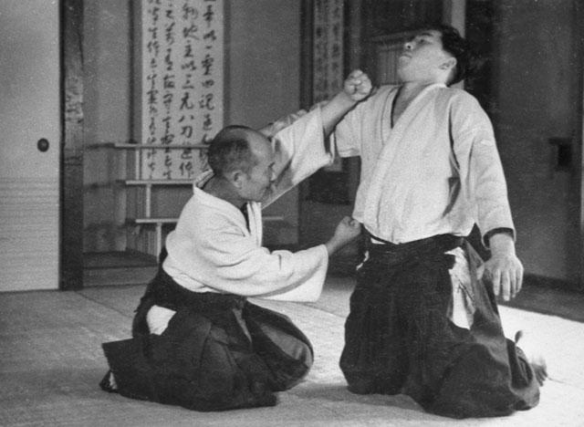 morihei-ueshiba-noma-atemi